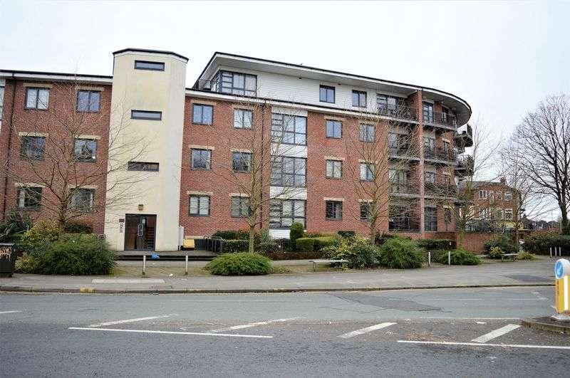 2 Bedrooms Flat for sale in Upper Chorlton Road, Chorlton, Manchester