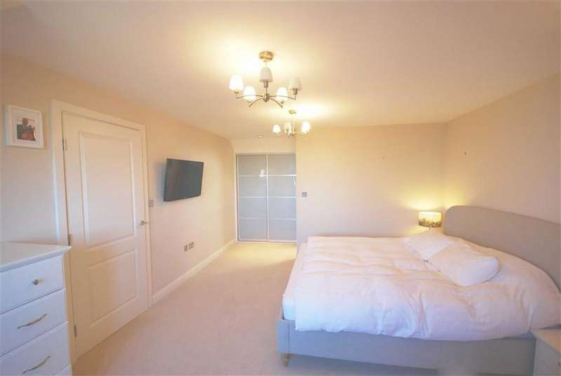 4 Bedrooms Semi Detached House for sale in Blenheim Mews, Shenley
