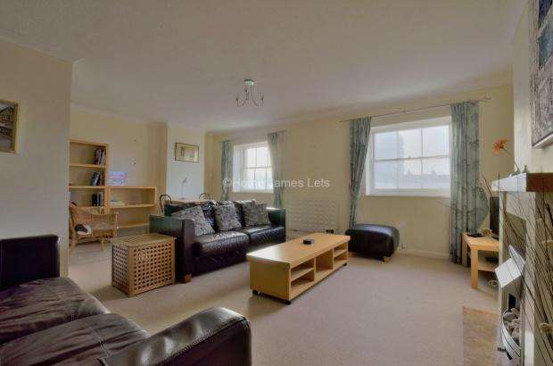 3 Bedrooms Apartment Flat for rent in Regency Square, Brighton, BN1
