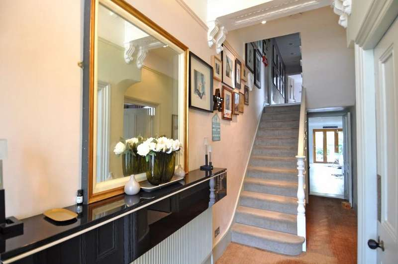 5 Bedrooms Terraced House for sale in Fairlop Road, Upper Leytonstone