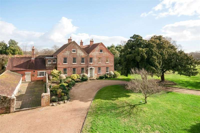 8 Bedrooms Unique Property for sale in Manor Road, Hayling Island, Hampshire, PO11