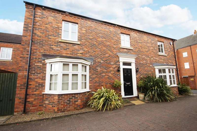 4 Bedrooms Detached House for rent in Brackenpeth Mews, Great Park, Gosforth NE3