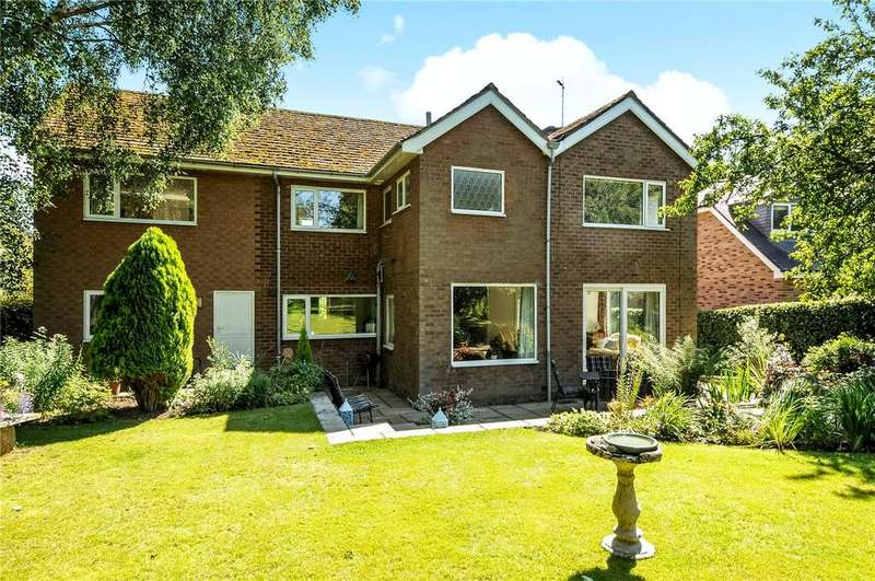 4 Bedrooms Detached House for sale in Meadow Drive, Prestbury, Macclesfield, Cheshire, SK10