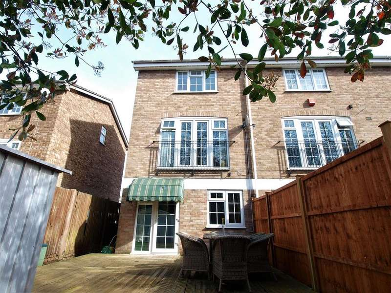 4 Bedrooms Town House for sale in Patterdale Close, Bromley