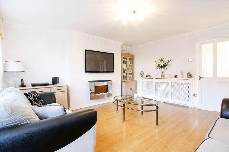 3 Bedrooms Flat for sale in Simons Walk, London, E15