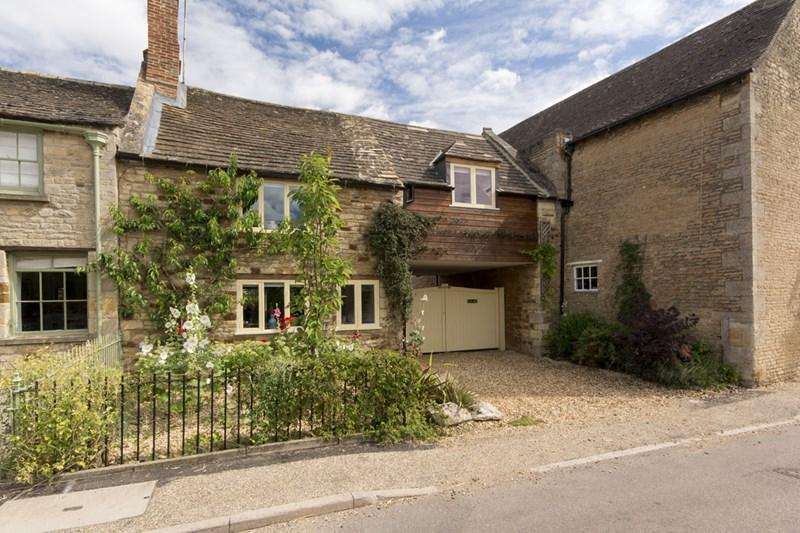 3 Bedrooms Semi Detached House for sale in Woodnewton, Near Oundle, PE8
