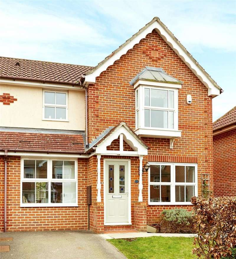 3 Bedrooms Semi Detached House for sale in Teise Close, Tunbridge Wells, Kent, TN2