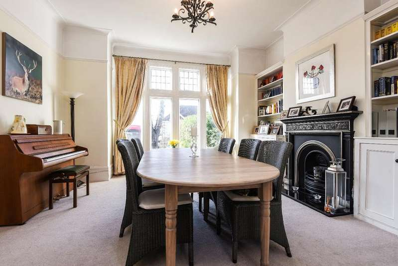 5 Bedrooms Semi Detached House for sale in Shrewsbury Lane, London, SE18