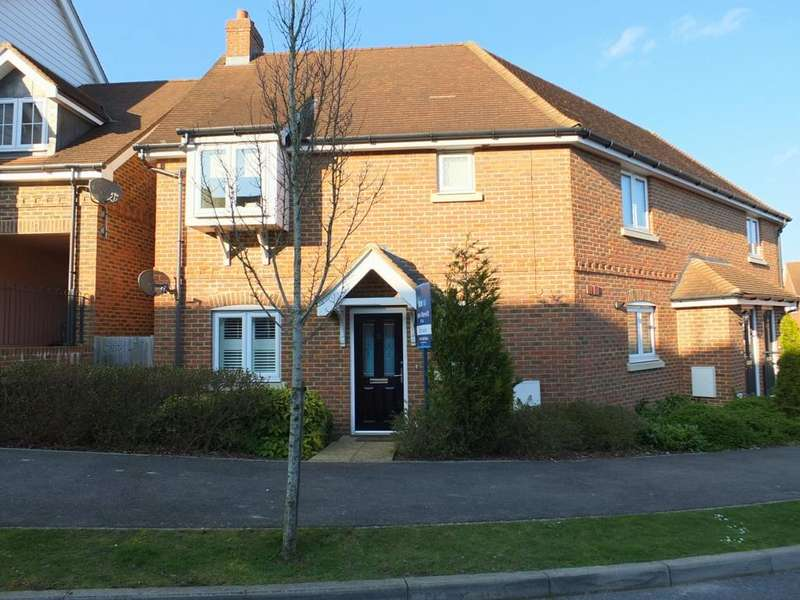 2 Bedrooms Flat for sale in Saxon Way, Lindfield, RH16