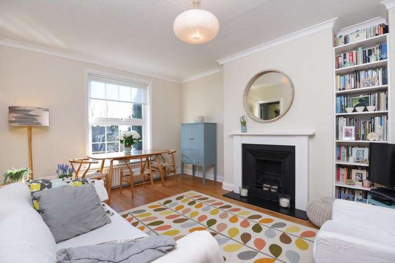 2 Bedrooms Maisonette Flat for sale in Masefield Crescent, Southgate, N14
