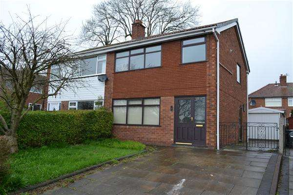 3 Bedrooms Semi Detached House for sale in The Poplars, Leigh