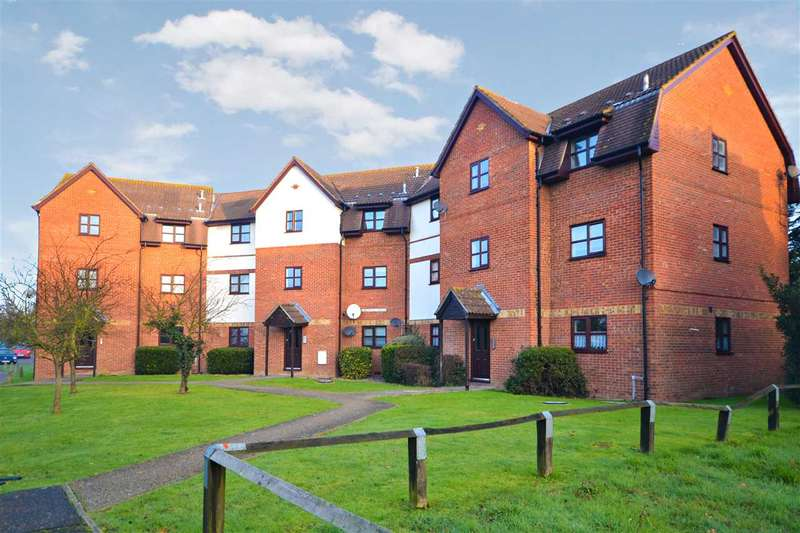 1 Bedroom Flat for sale in Chestnut House, Hillwood Grove, Wickford