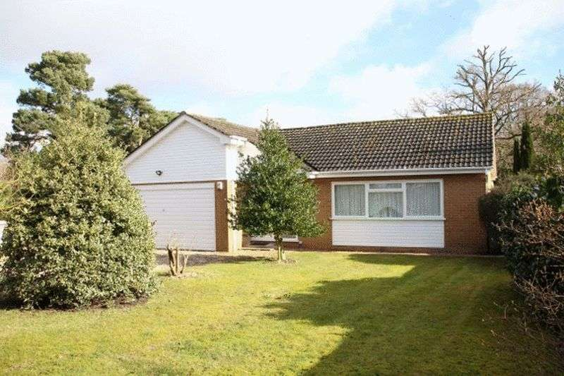 4 Bedrooms Detached Bungalow for sale in Woodland Drive, Woodhall Spa