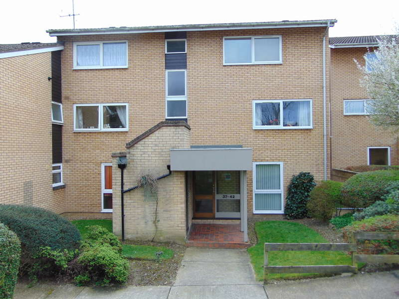 1 Bedroom Flat for sale in Pennycroft, Pixton Way, Forestdale, CR0 9LL