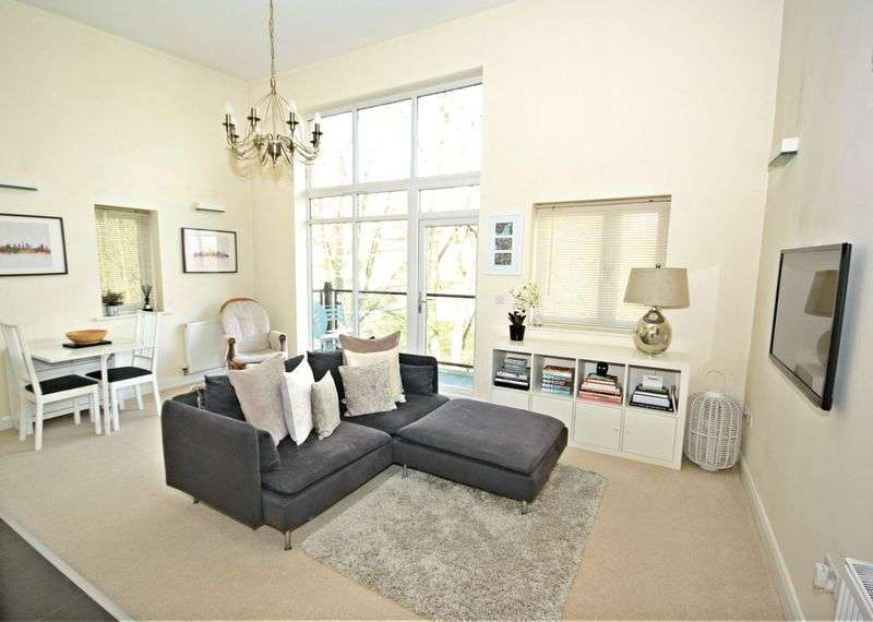 2 Bedrooms Flat for sale in Runswick Road, Bristol