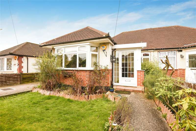 3 Bedrooms Semi Detached Bungalow for sale in Ashley Close, Pinner, Middlesex, HA5