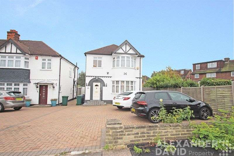 4 Bedrooms Detached House for sale in Windsor Avenue, Edgware HA8