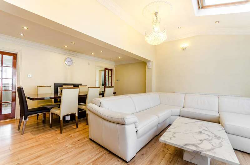 4 Bedrooms House for sale in Windermere Road, Kingston Vale, SW15