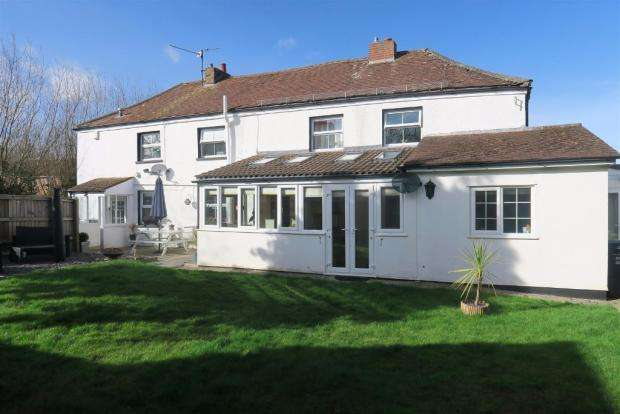 4 Bedrooms Cottage House for sale in Poplar Road, Taunton TA1
