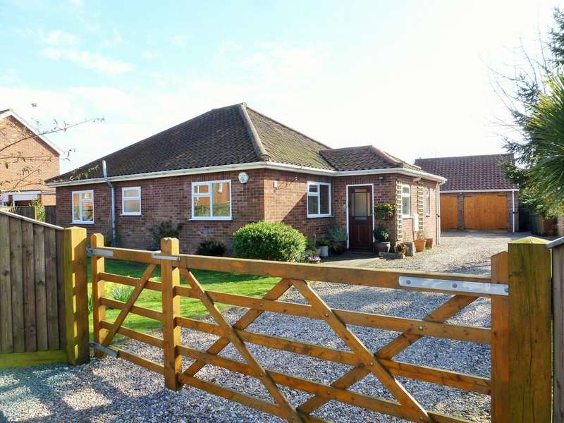 3 Bedrooms Detached Bungalow for sale in Kimberley Road, North Walsham