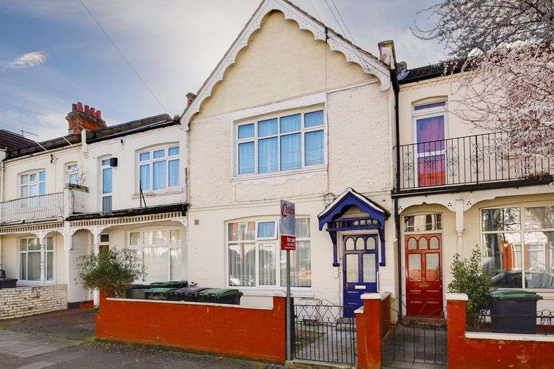 2 Bedrooms Flat for sale in Woodside Road, Wood Green