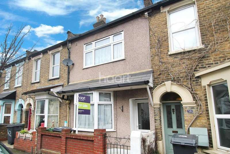 3 Bedrooms Terraced House for sale in Downsfield Road