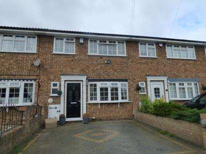3 Bedrooms Terraced House for sale in Rainham, ., Essex