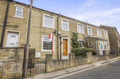 2 Bedrooms House for sale in Boy Lane, Halifax, West Yorkshire