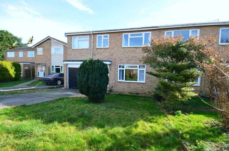 4 Bedrooms Semi Detached House for sale in St Johns Drive, Carterton