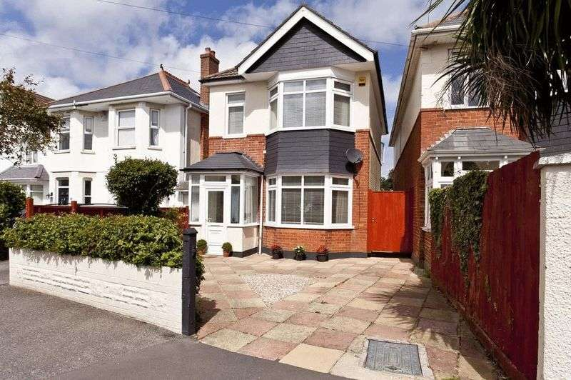 4 Bedrooms Detached House for sale in Heatherlea Road, Bournemouth