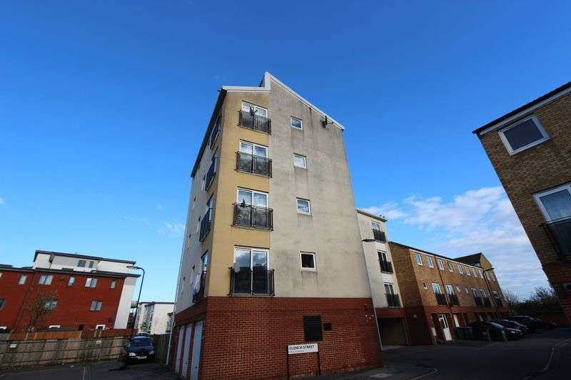 2 Bedrooms Flat for sale in Clench Street - City Centre