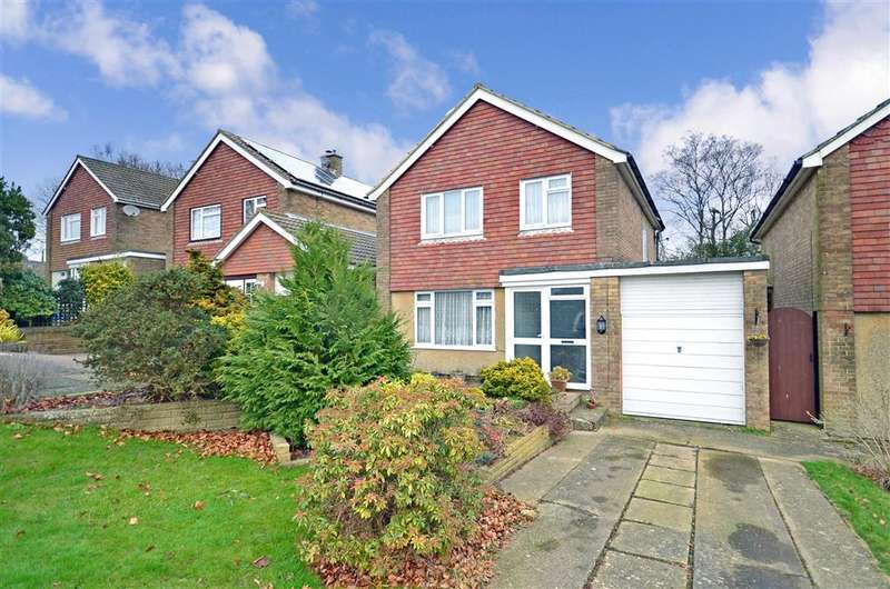 3 Bedrooms Detached House for sale in Woodland Way, Crowborough, East Sussex