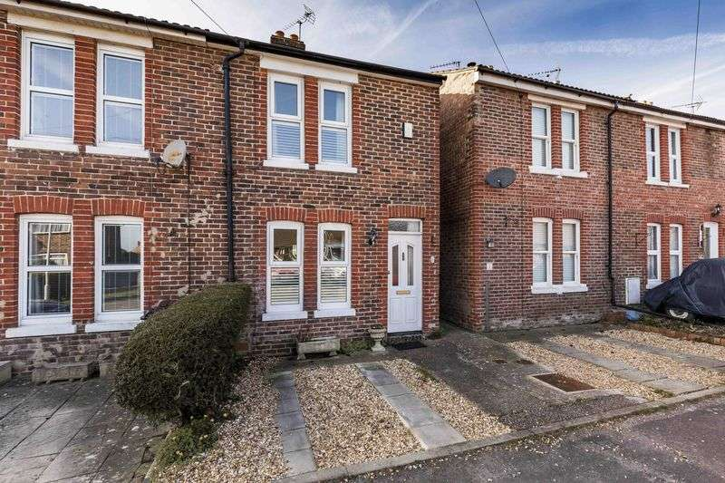 3 Bedrooms Terraced House for sale in Covington Road, Westbourne