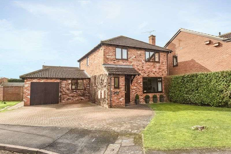 4 Bedrooms Detached House for sale in Wheatfields, Didcot