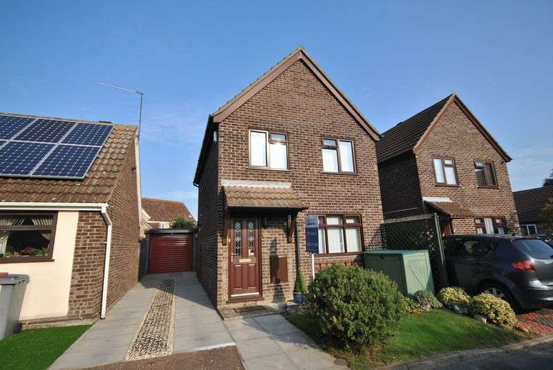 3 Bedrooms Detached House for sale in Edgefield Close, Old Catton, Norwich