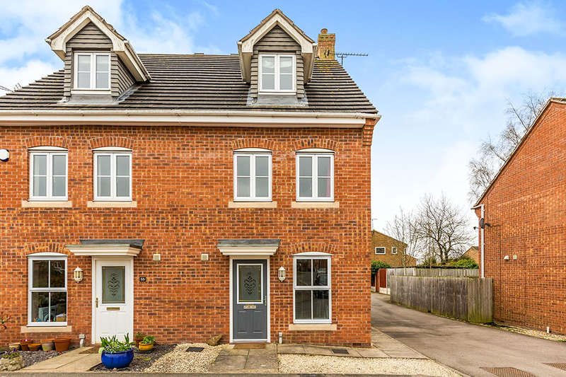 3 Bedrooms Semi Detached House for sale in Russett Close, LEICESTER, LE9