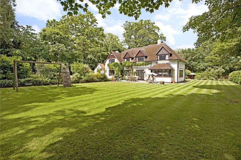 5 Bedrooms Detached House for sale in Burchetts Green Lane, Burchetts Green, Maidenhead, Berkshire, SL6