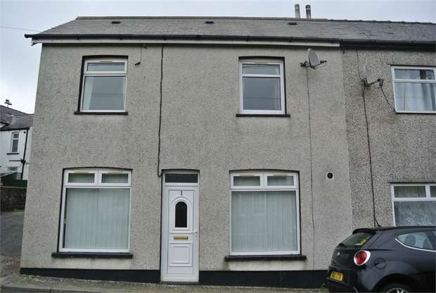 3 Bedrooms Semi Detached House for sale in Greenway, Talywain, Pontypool, Torfaen