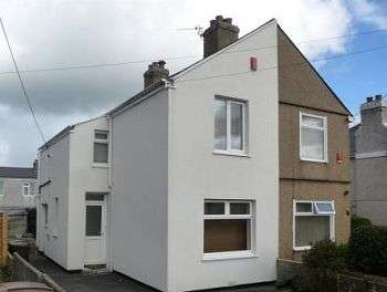 2 Bedrooms Semi Detached House for sale in Kings Road, West Park