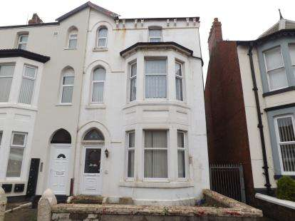 4 Bedrooms Semi Detached House for sale in Withnell Road, Blackpool, Lancashire, FY4