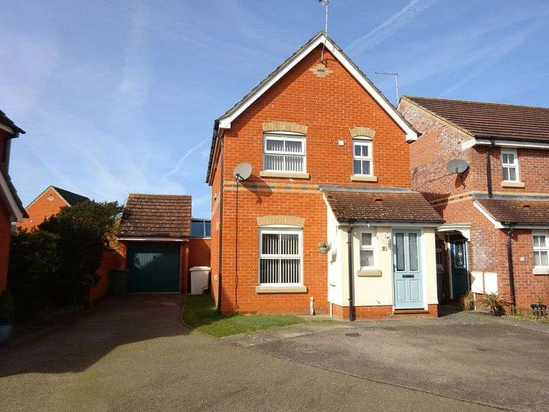3 Bedrooms Detached House for sale in The Drove, Taverham, Norwich