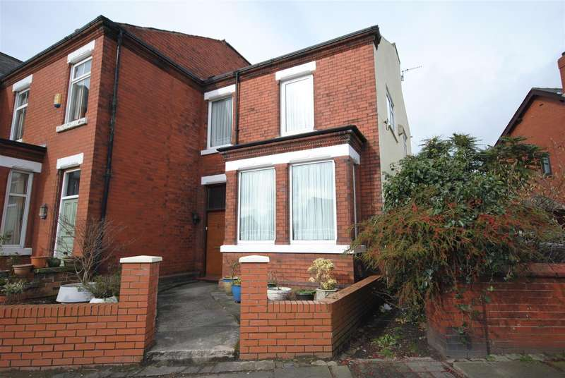 3 Bedrooms Property for sale in Mesnes Road, Wigan