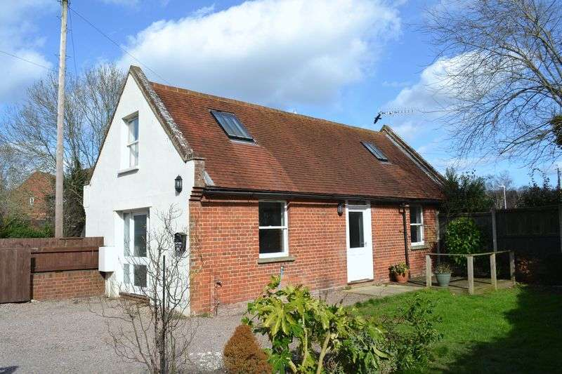 2 Bedrooms Detached House for sale in Hamstreet