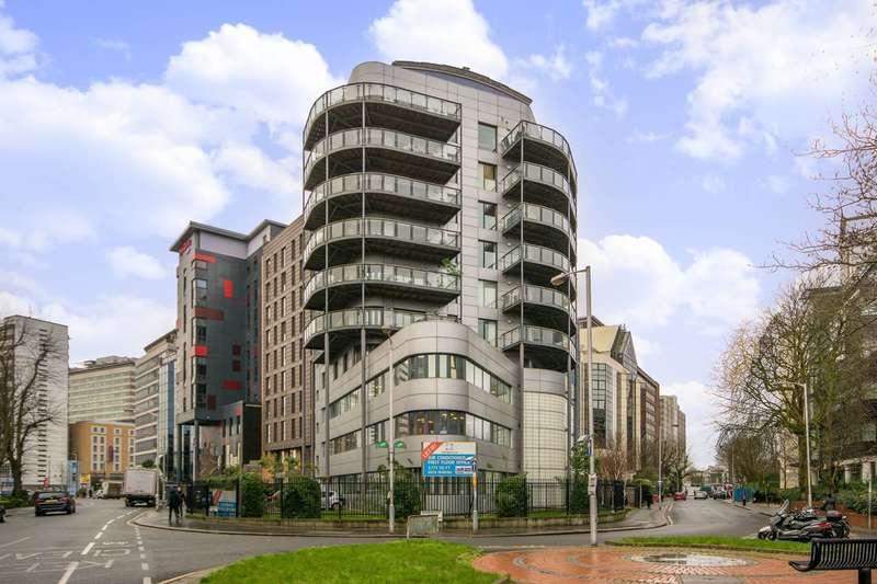 2 Bedrooms Flat for rent in Sydenham Road, East Croydon, CR0