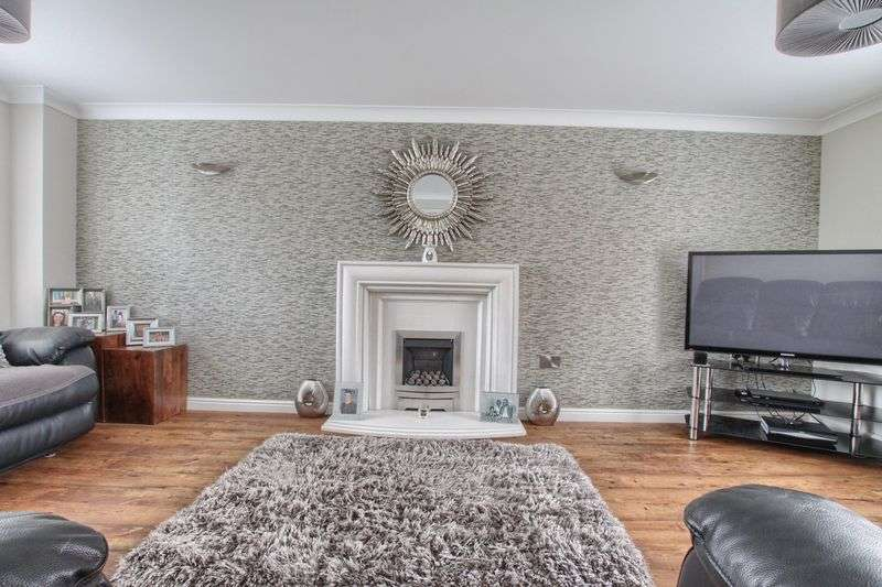 5 Bedrooms Detached House for sale in The Orchard, Ingleby Barwick