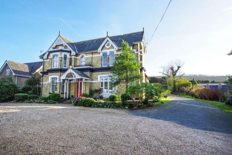 2 Bedrooms Apartment Flat for sale in Leighton Mount, 72 Victoria Avenue, Shanklin PO37