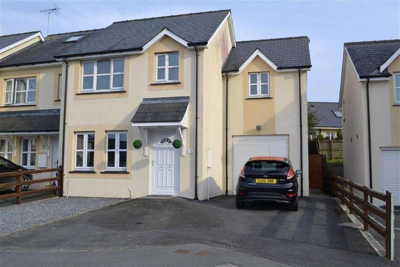 3 Bedrooms Semi Detached House for sale in Llys Y Dderwen, New Quay, Ceredigion