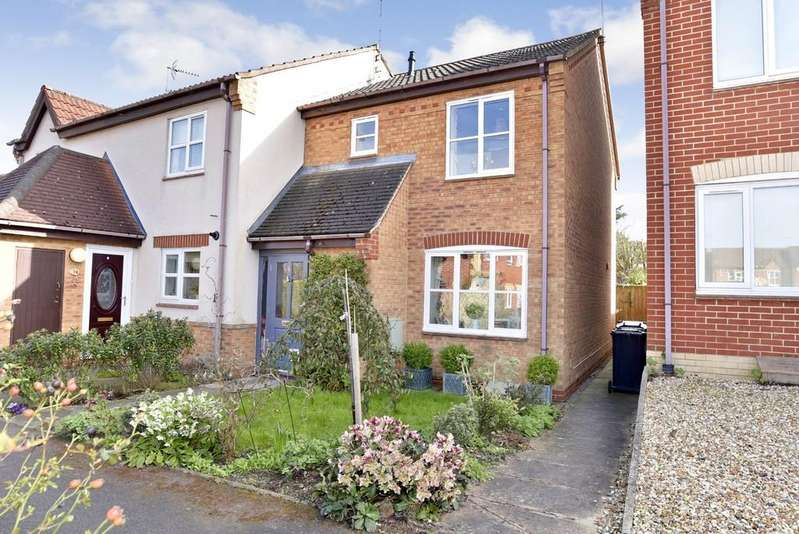 3 Bedrooms Town House for sale in Sycamore Drive, Harrogate