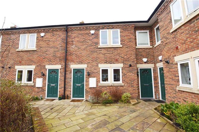 2 Bedrooms Terraced House for sale in Chancel Square, Meanwood, Leeds