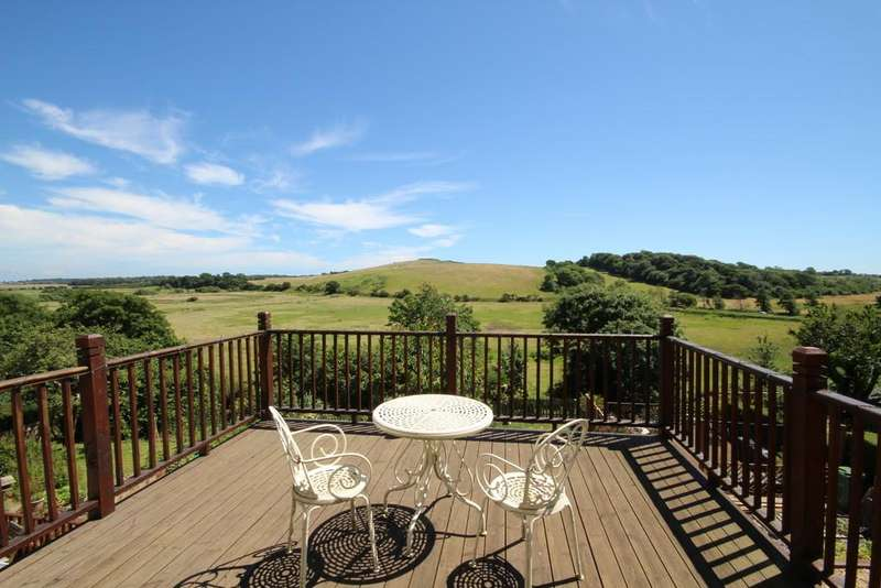 5 Bedrooms Semi Detached House for sale in Brading, Isle of Wight